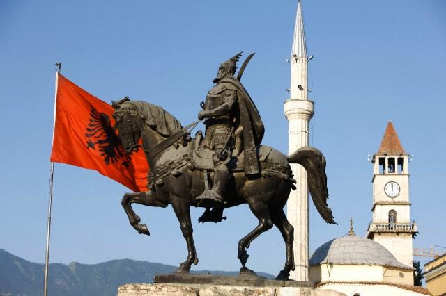 Северна Албания: Дуръс, Тирана, Круя